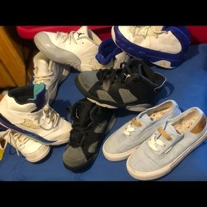 4 pair of Jordan's and one pair of Levi's sz 10